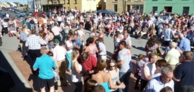 Dancing in the square, Kilfenora